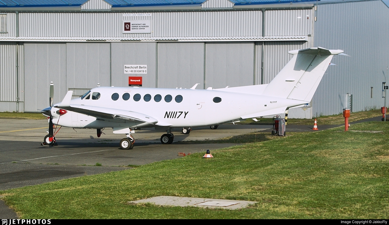 N1117Y - Beechcraft B300 King Air 350 - Private