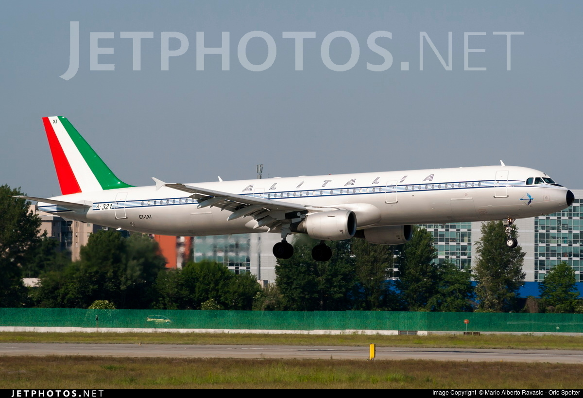 EI-IXI - Airbus A321-112 - Alitalia