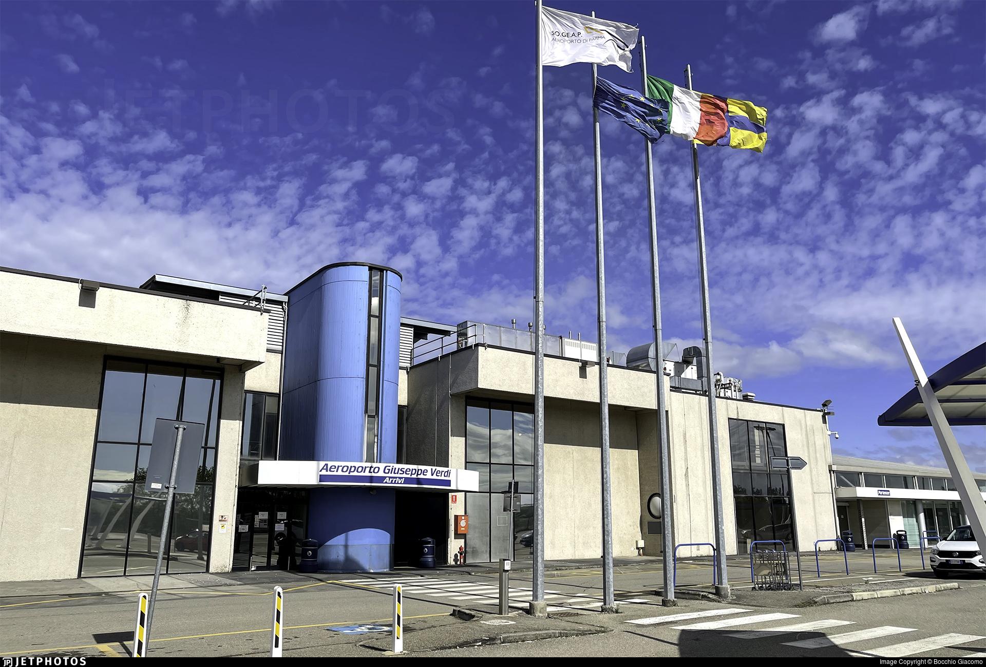 LIMP - Airport - Terminal