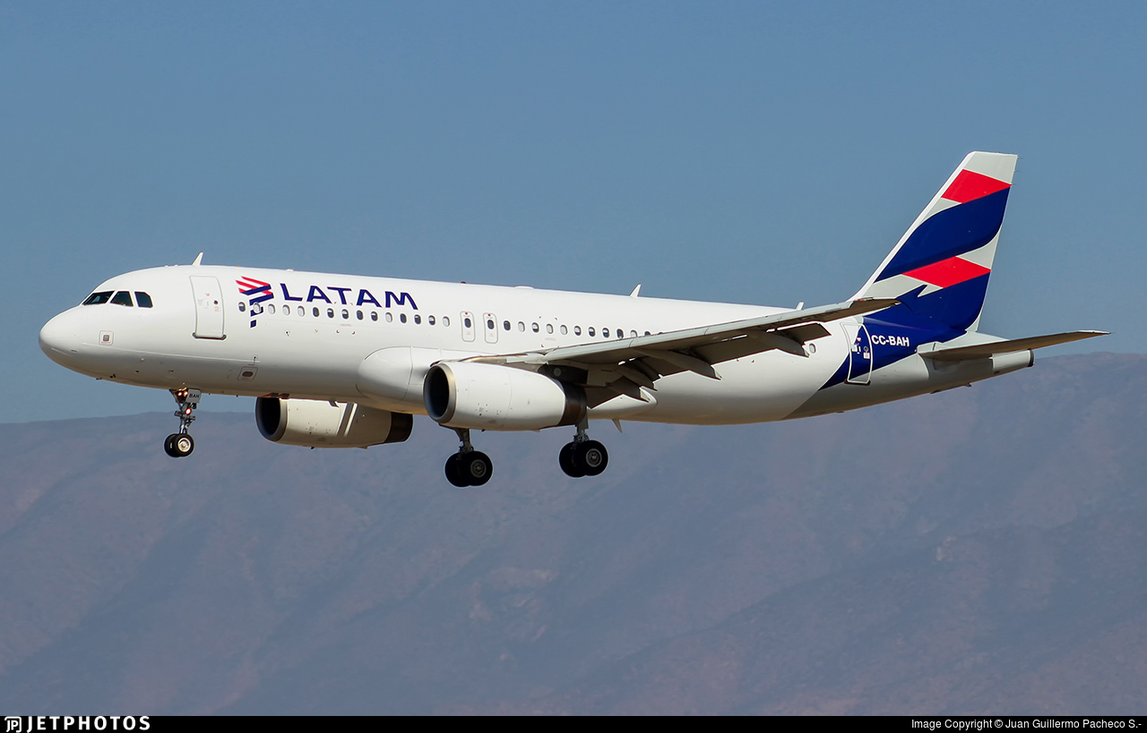 CC-BAH - Airbus A320-232 - LATAM Airlines