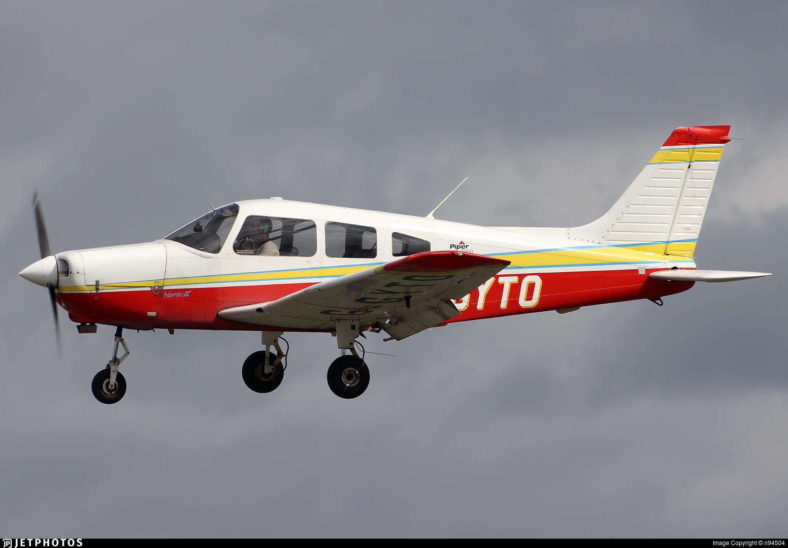 G-GYTO - Piper PA-28-161 Warrior III - Private