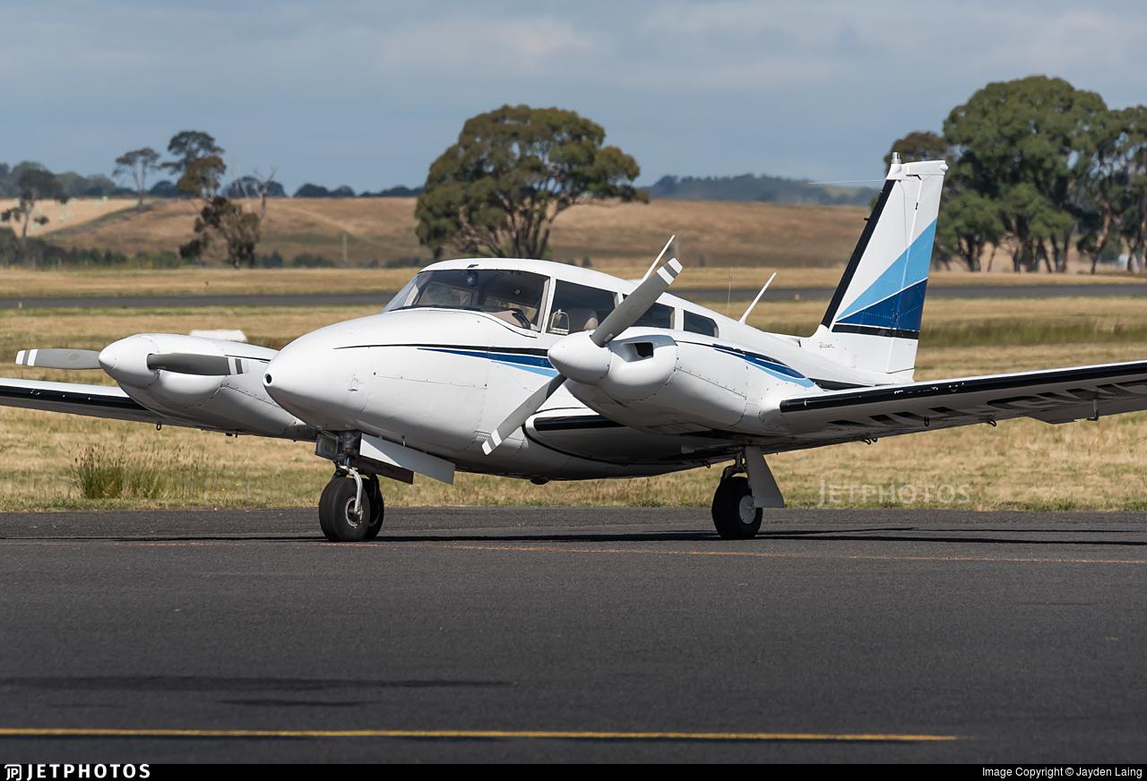 VH-GWT - Piper PA-30-160 Twin Comanche - Private