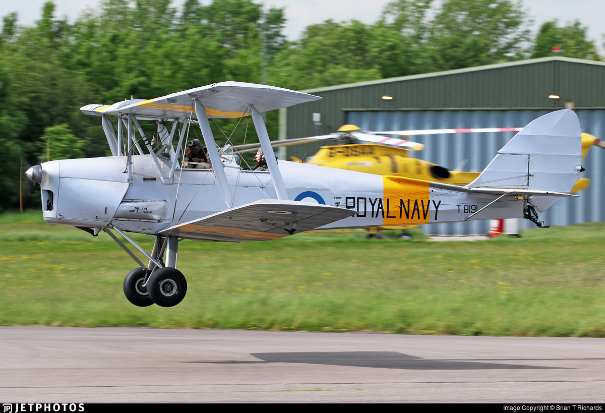G-BWMK - De Havilland DH-82A Tiger Moth - Private