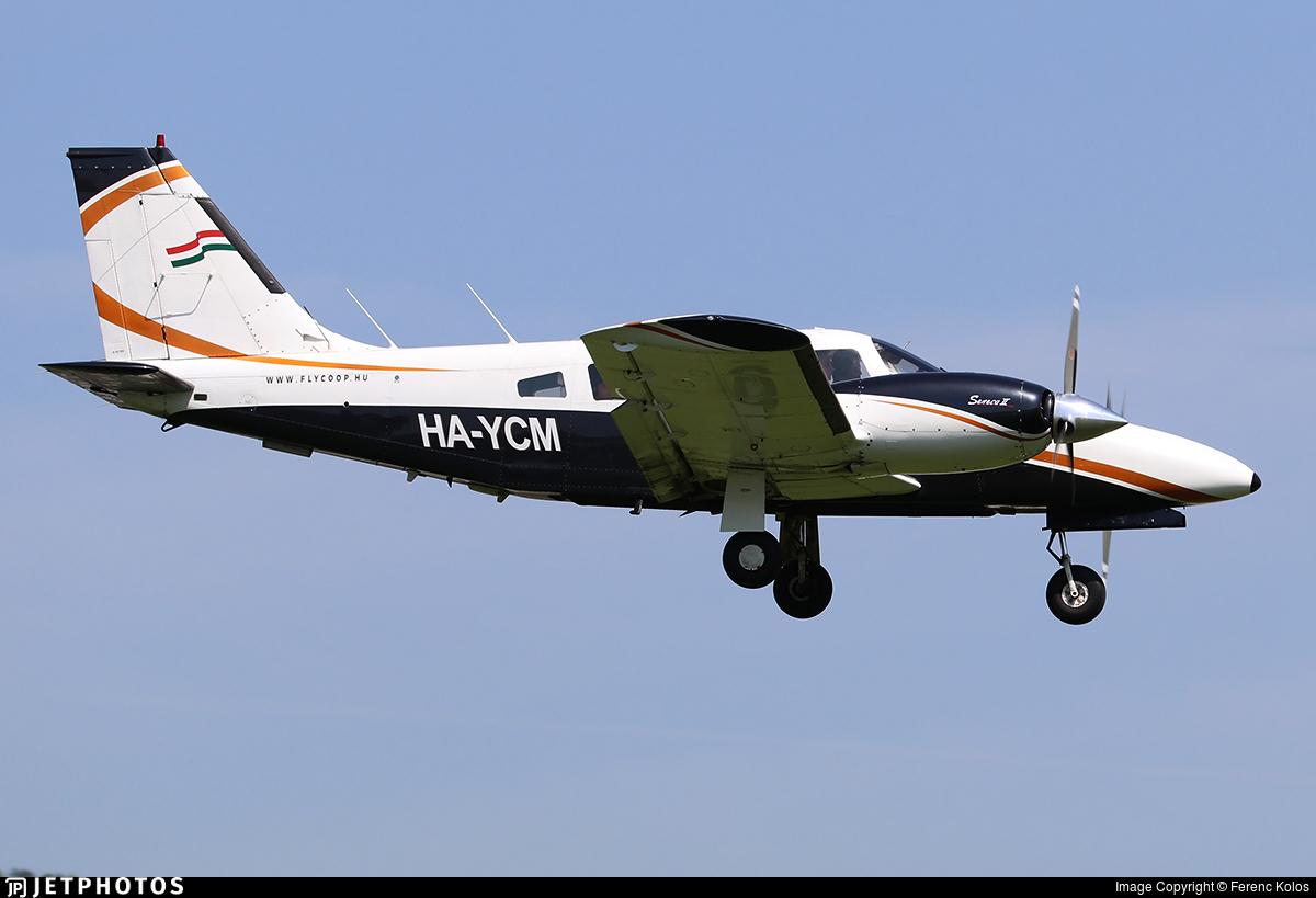 HA-YCM - Piper PA-34-200T Seneca II - Fly-Coop