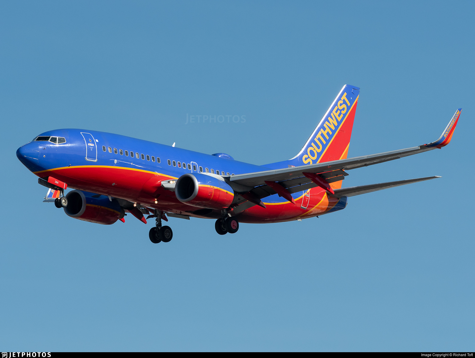 N284WN - Boeing 737-7H4 - Southwest Airlines