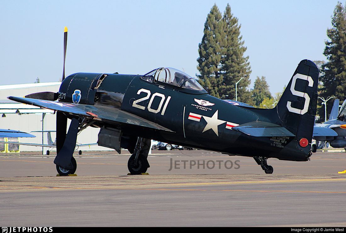 N7825C - Grumman F8F-2P Bearcat - Commemorative Air Force