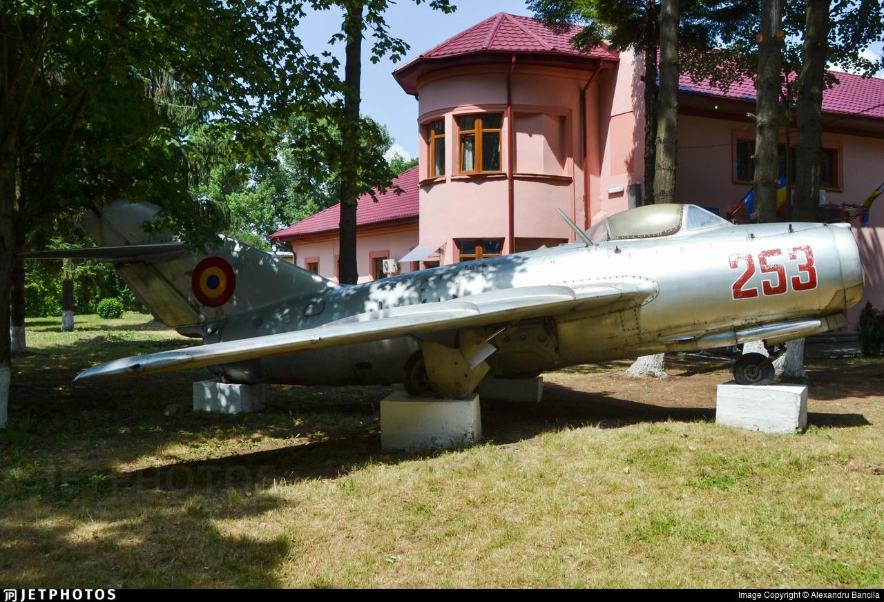 253 - Mikoyan-Gurevich MiG-15 Fagot - Romania - Air Force
