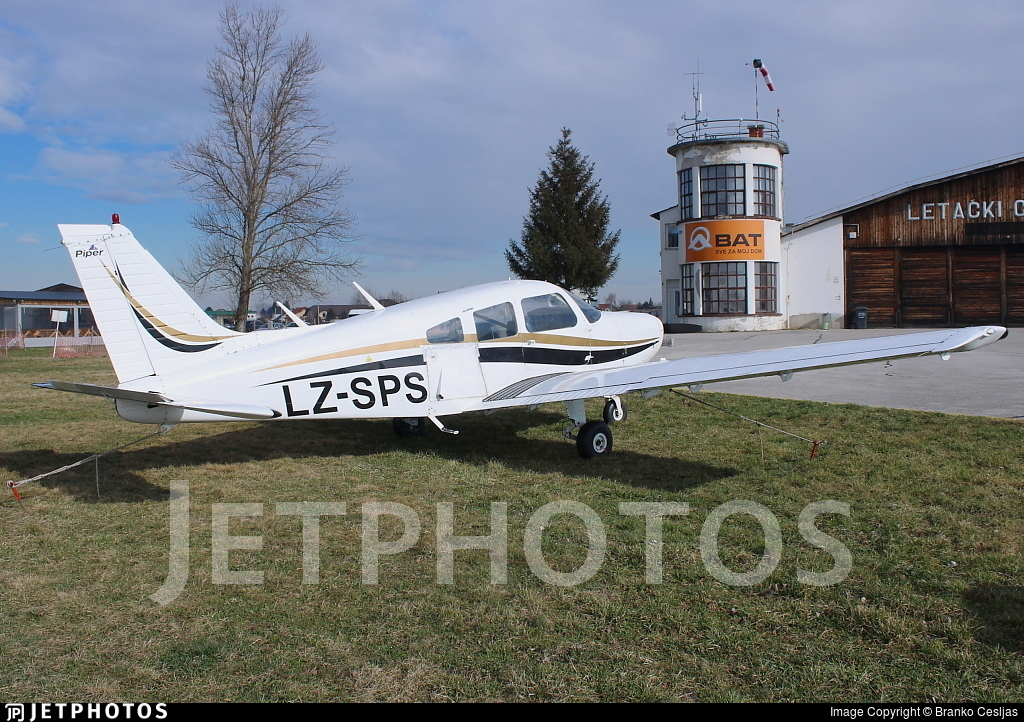 LZ-SPS - Piper PA-28-151 Cherokee Warrior - Private