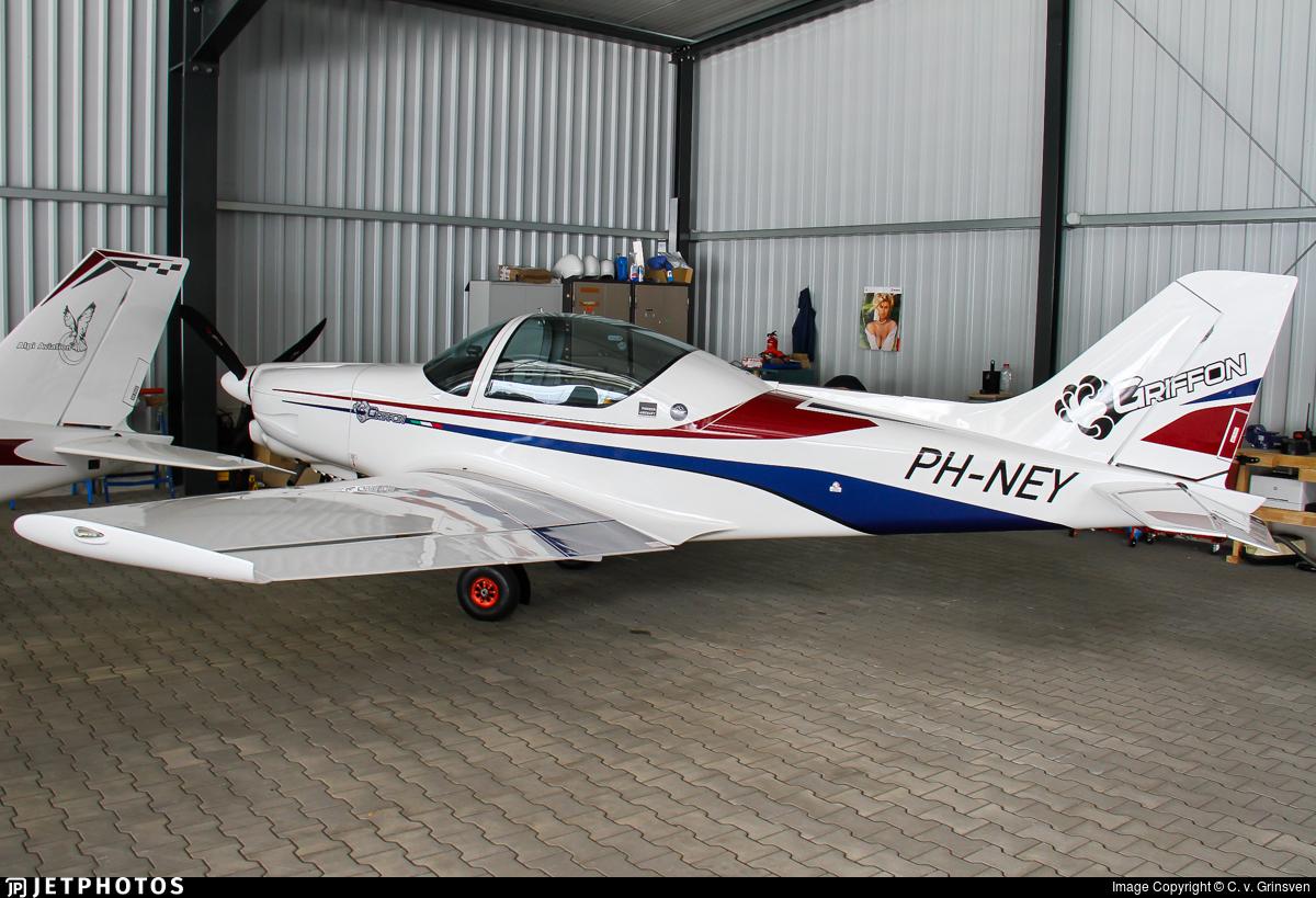 PH-NEY - Alpi Pioneer 300 - Private