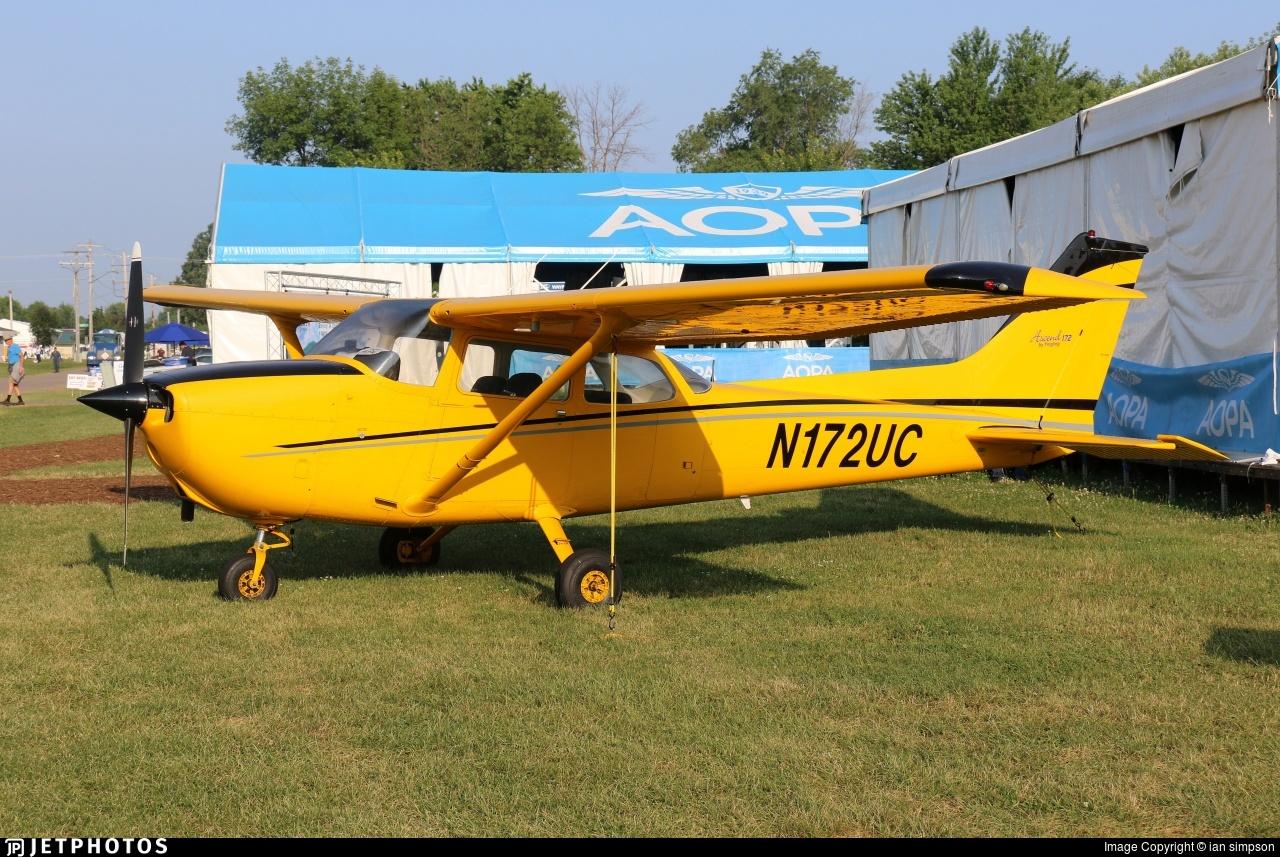 N172UC - Cessna 172N Skyhawk - Private