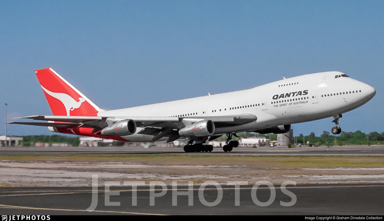 VH-EBG - Boeing 747-238B - Qantas