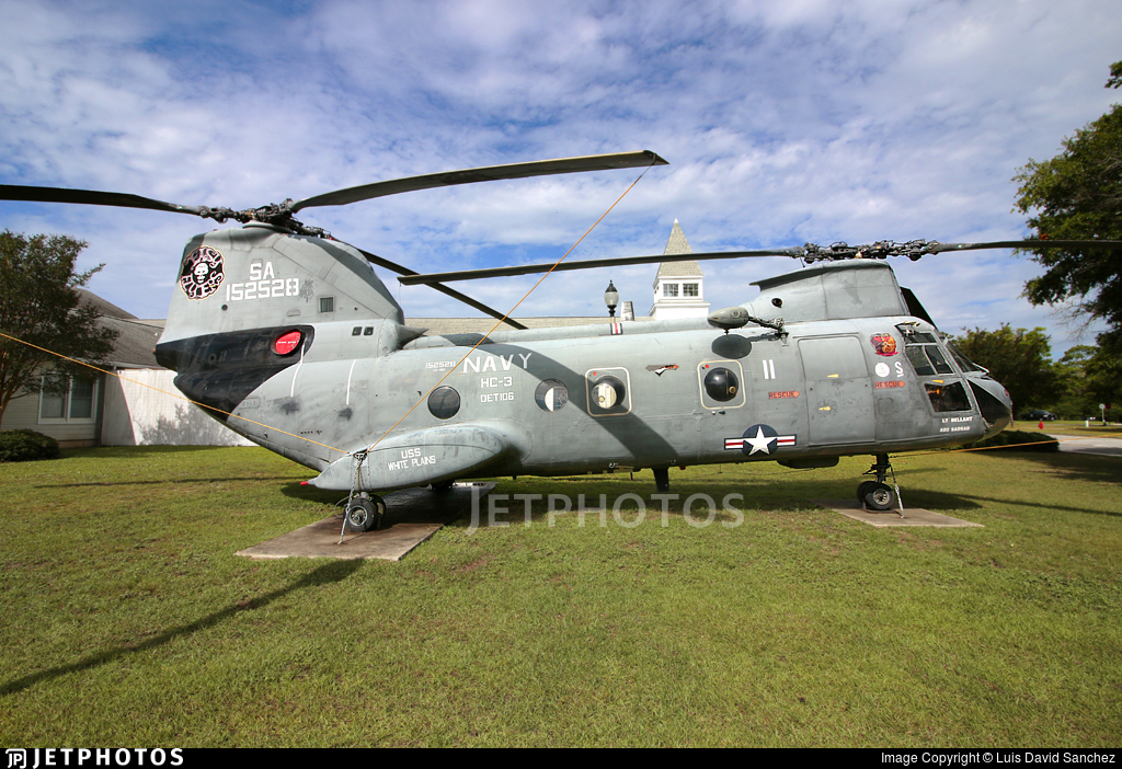152528 - Boeing Vertol HH-46D Sea Knight - United States - US Navy (USN)