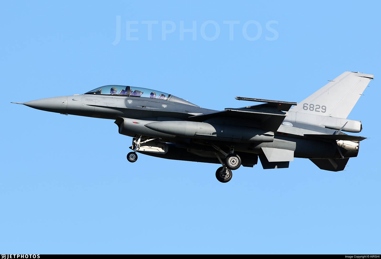 6829 - General Dynamics F-16BM Fighting Falcon - Taiwan - Air Force