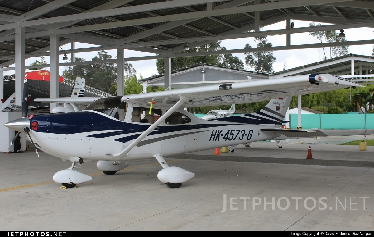 HK-4573-G - Cessna 182T Skylane - Private
