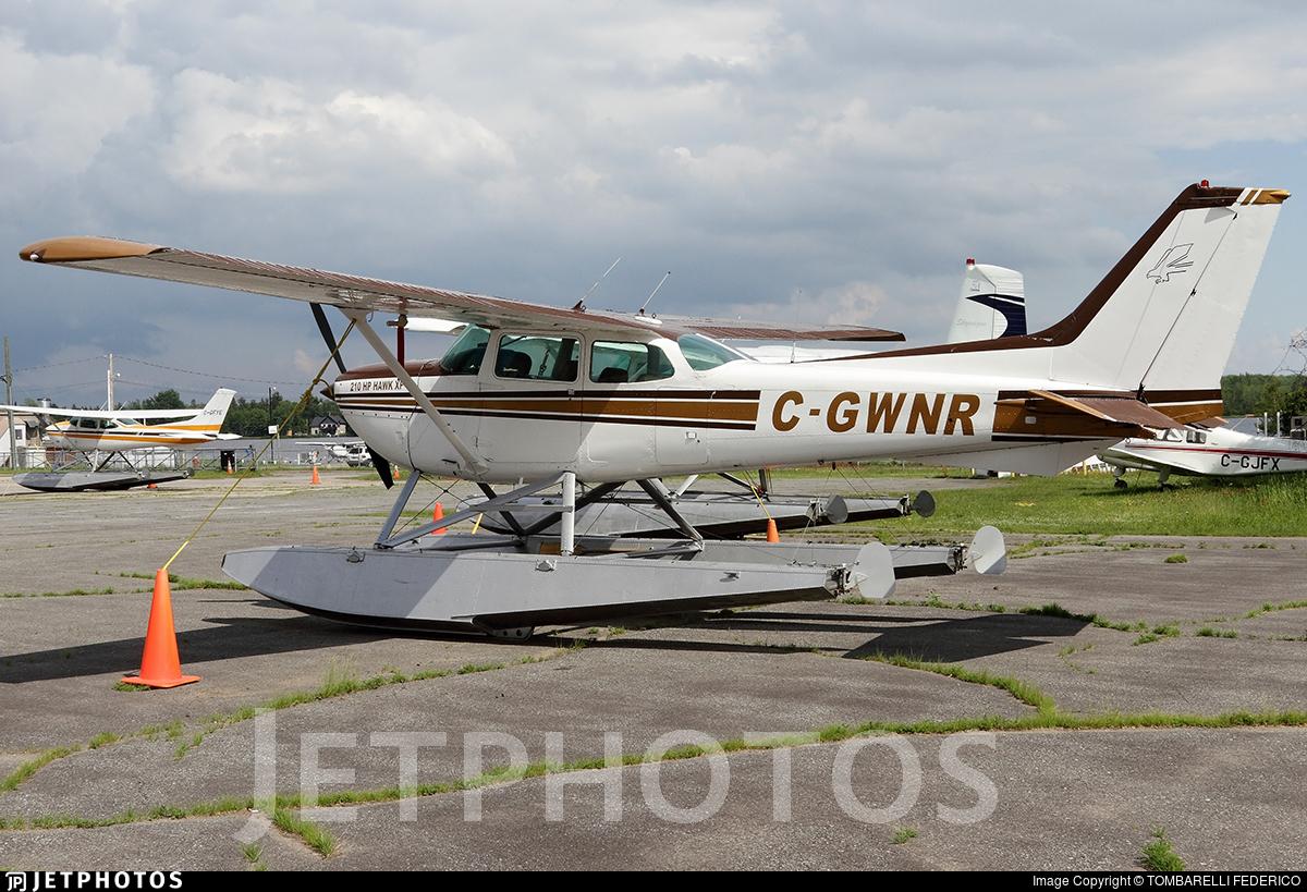 C-GWNR - Cessna R172K Hawk XP II - Private