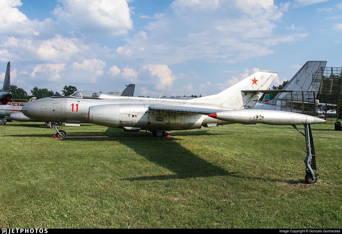 11 - Yakovlev Yak-25 Mandrake - Soviet Union - Air Force