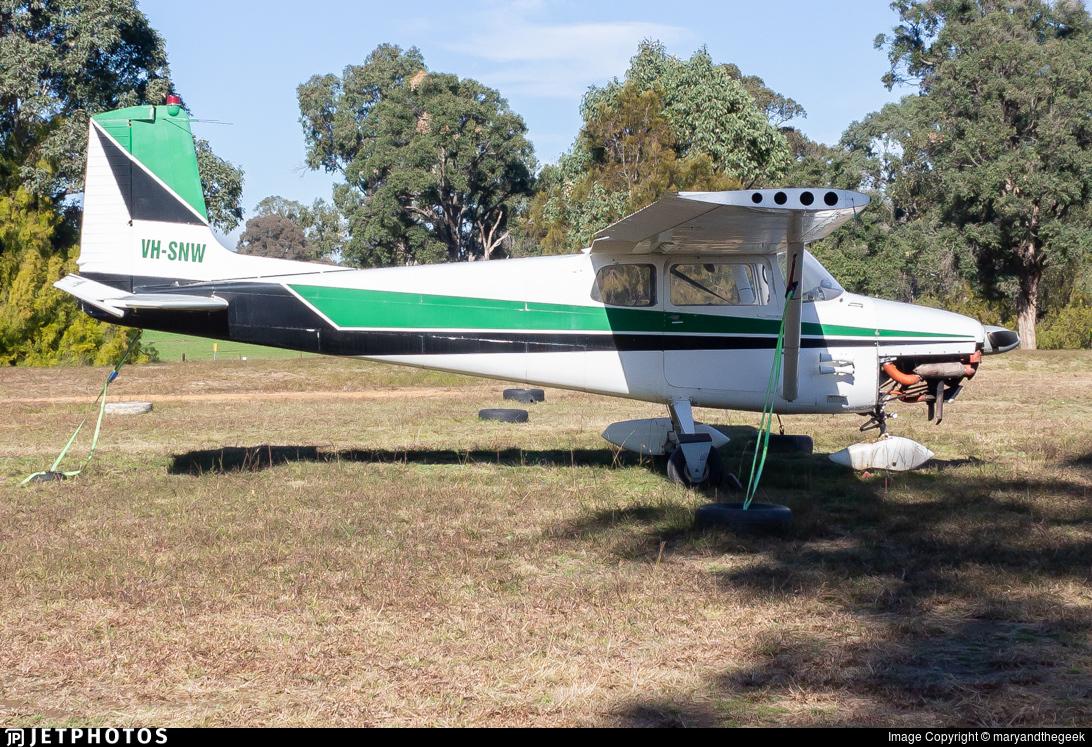 VH-SNW - Cessna 172 Skyhawk - Private
