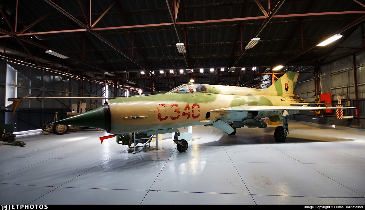 C340 - Mikoyan-Gurevich MiG-21bis Fishbed L - Angola - Air Force