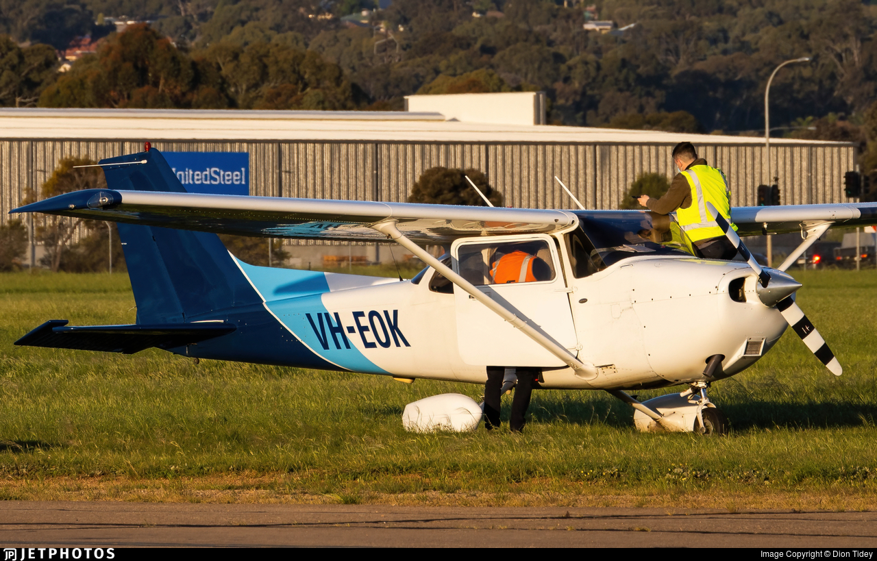 VH-EOK - Cessna 172S Skyhawk SP - CAE Oxford Aviation Academy