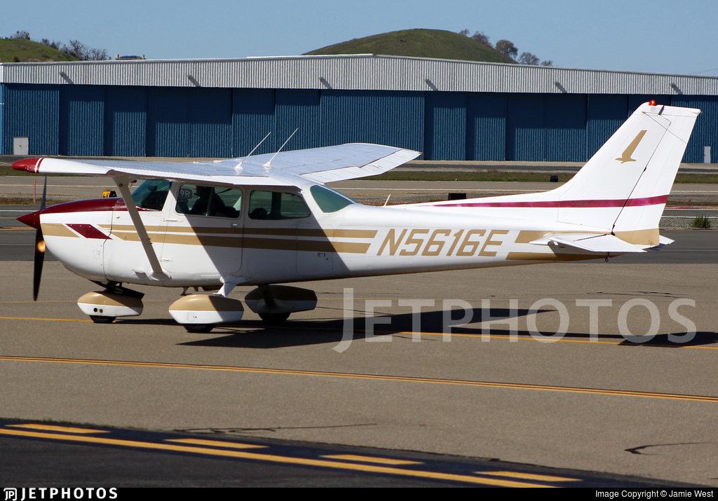 N5616E - Cessna 172N Skyhawk - Private
