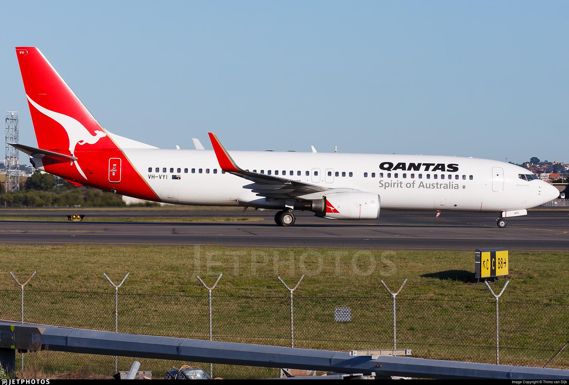 VH-VYI - Boeing 737-838 - Qantas