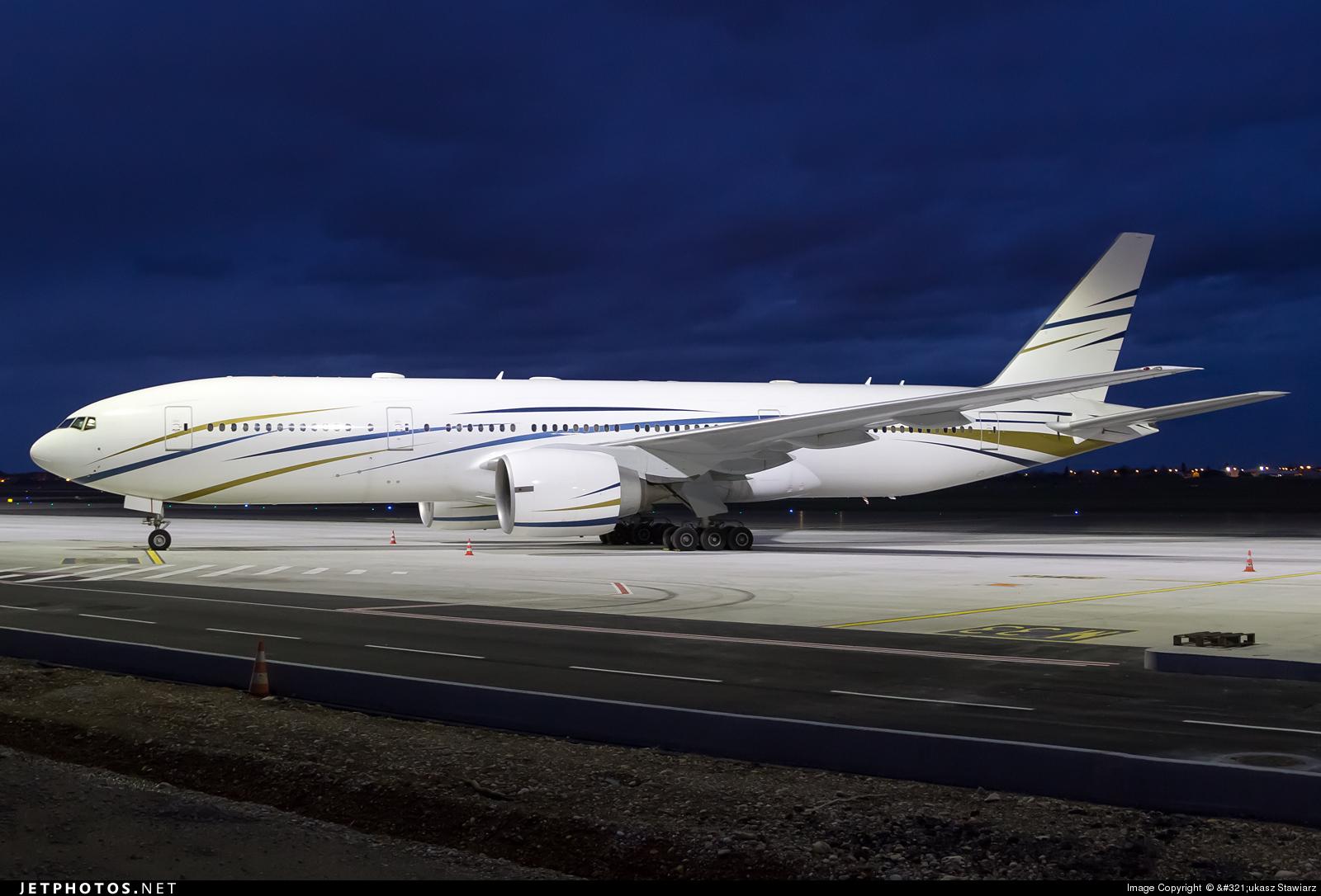 N777AS - Boeing 777-24Q - Mid East Jet