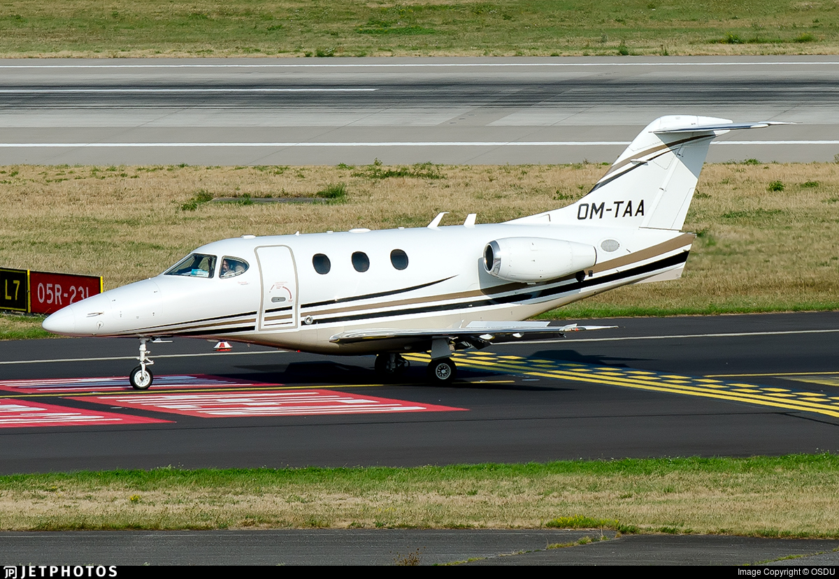 OM-TAA - Raytheon 390 Premier I - Private