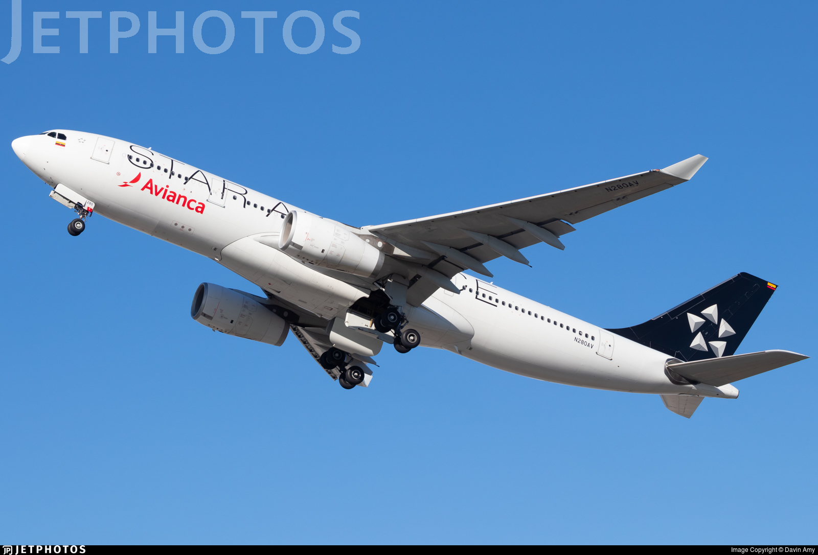 N280AV - Airbus A330-243 - Avianca