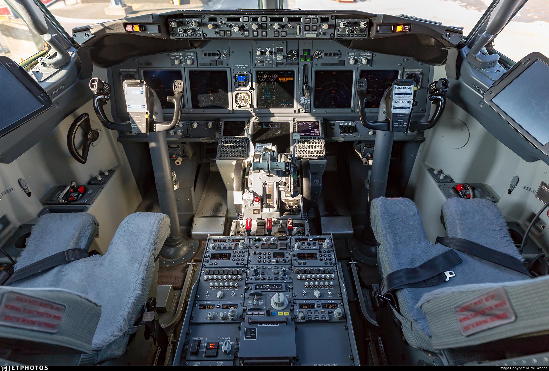 G-TAWU | Boeing 737-8K5 | TUI | Phil Woods | JetPhotos