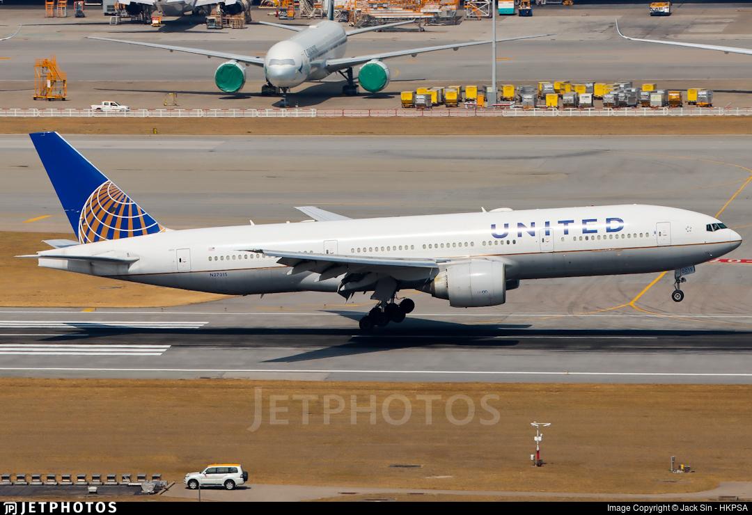 N27015 - Boeing 777-224(ER) - United Airlines