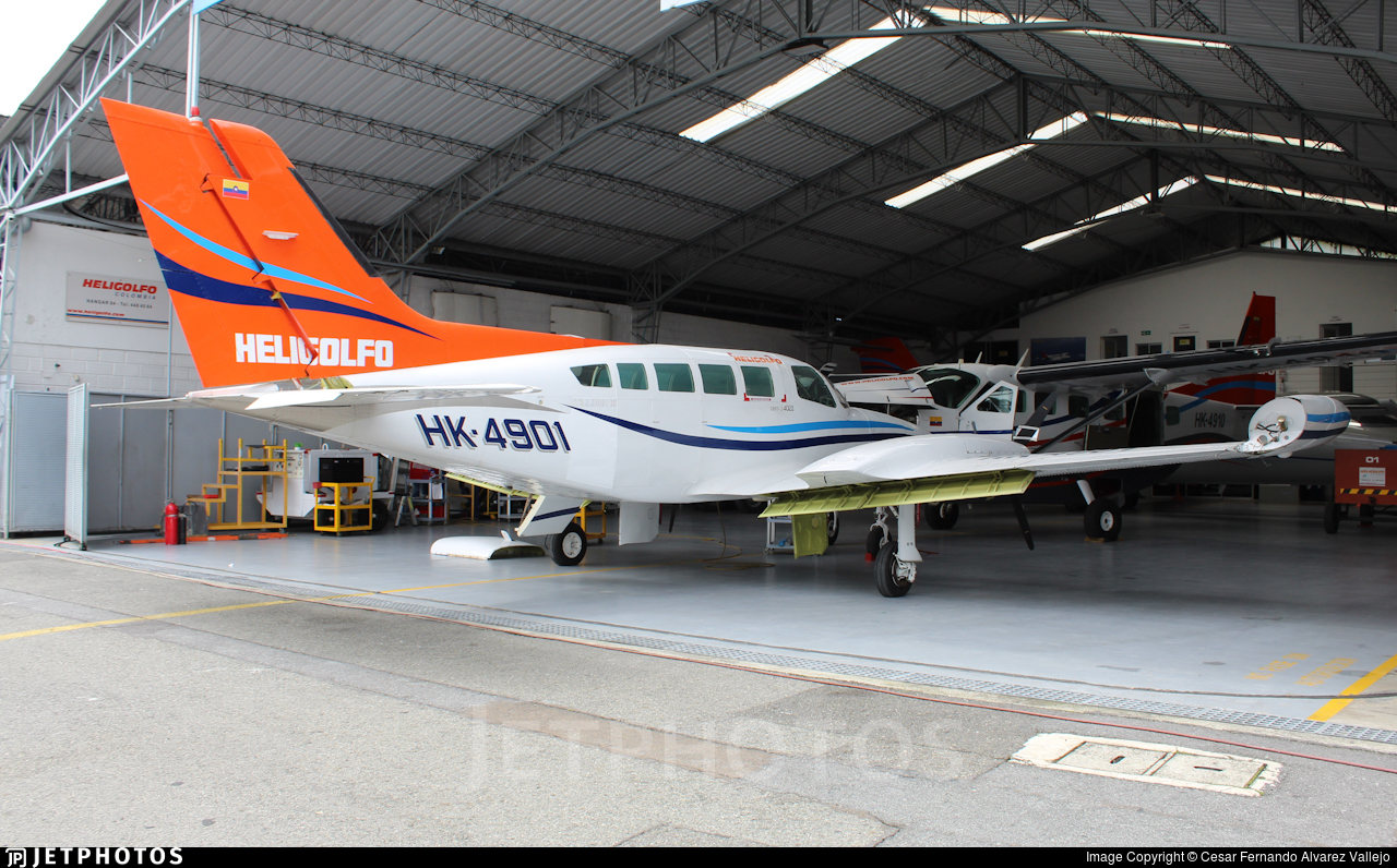 HK-4901 - Cessna 402B - Heligolfo