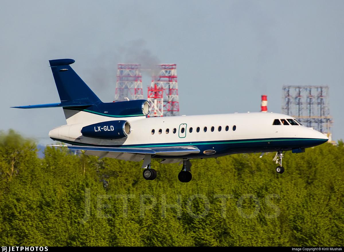 Phenom 300 cockpit phenom executive jet line leaders of innovation - Best 25 Executive Jet Ideas On Pinterest Private Jet Jets And Private Jets