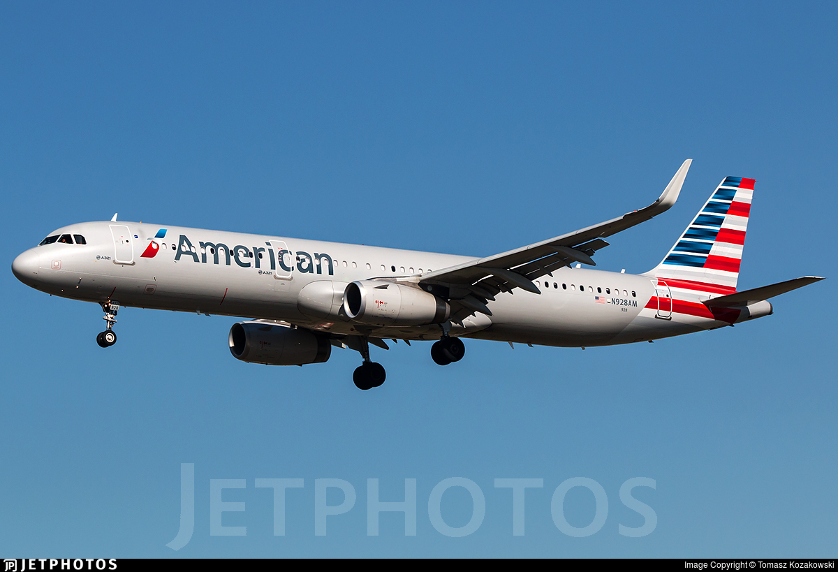 N928AM - Airbus A321-231 - American Airlines