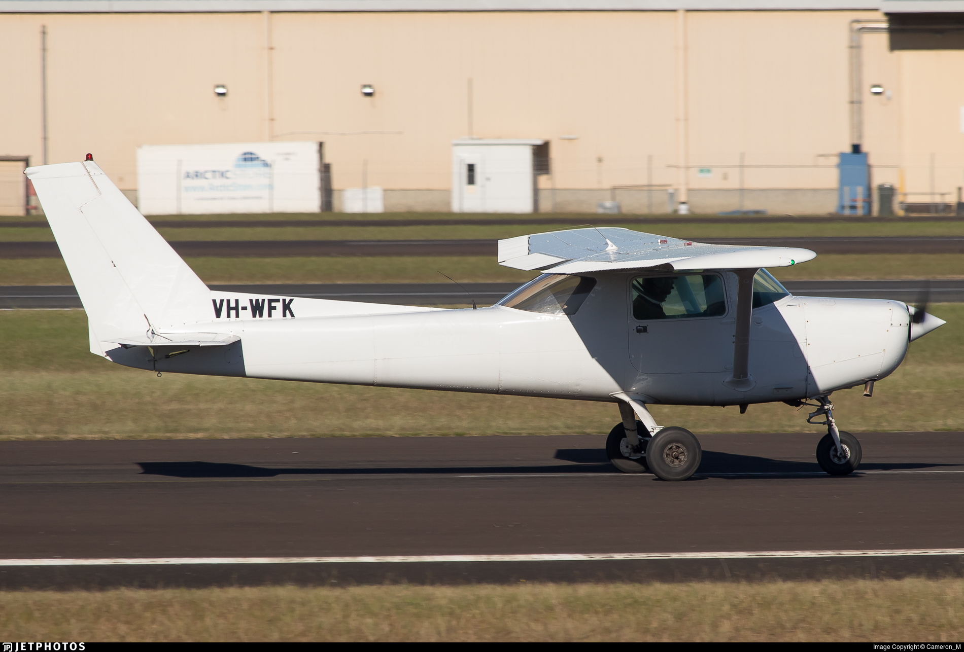VH-WFK - Cessna 152 - Private
