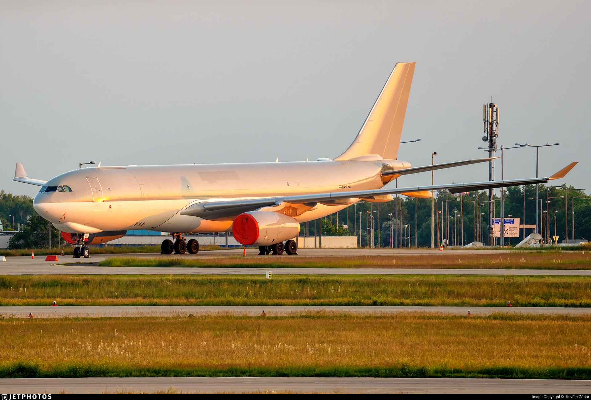 HA-LHU - Airbus A330-243F - Wizz Air