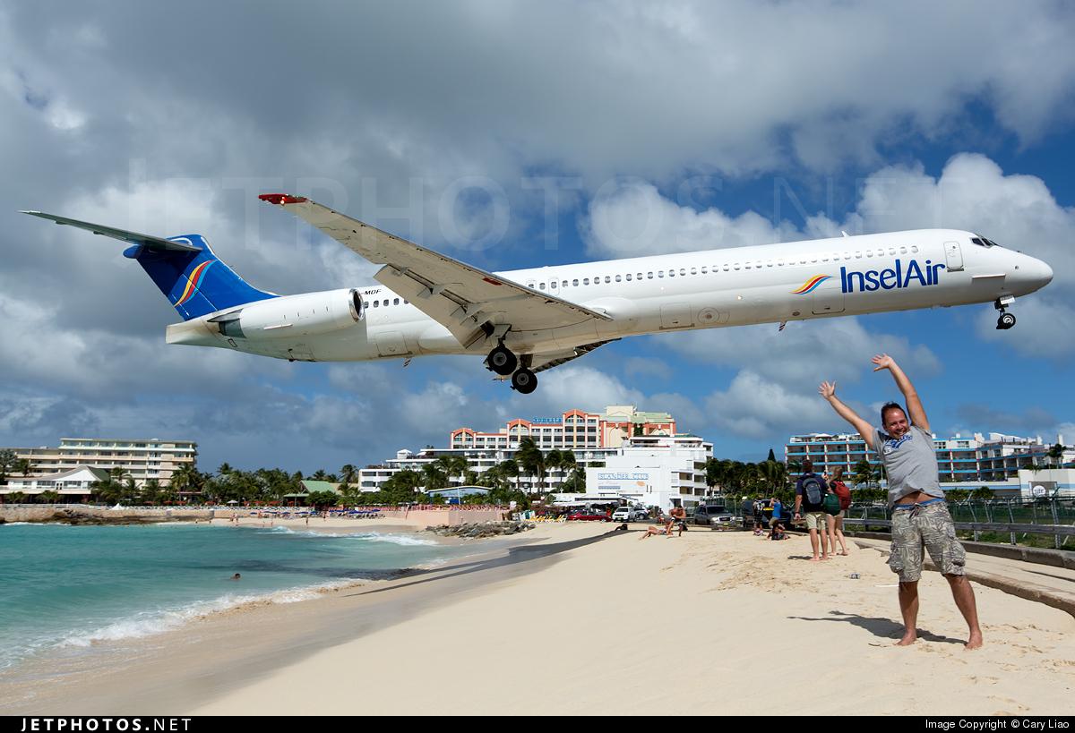 PJ-MDF - McDonnell Douglas MD-83 - Insel Air