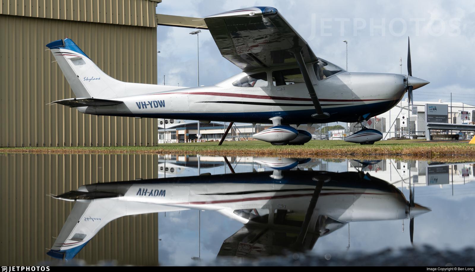 VH-YDW - Cessna 182T Skylane - Private