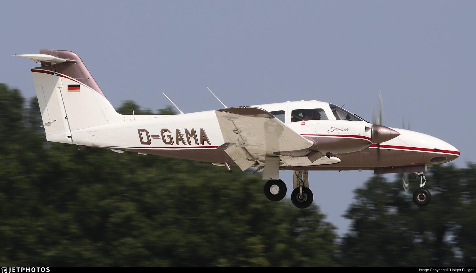 D-GAMA - Piper PA-44-180T Turbo Seminole - Private