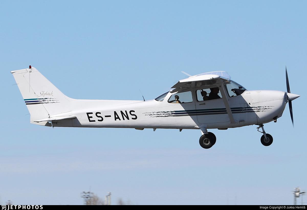 ES-ANS - Cessna 172R Skyhawk - Private