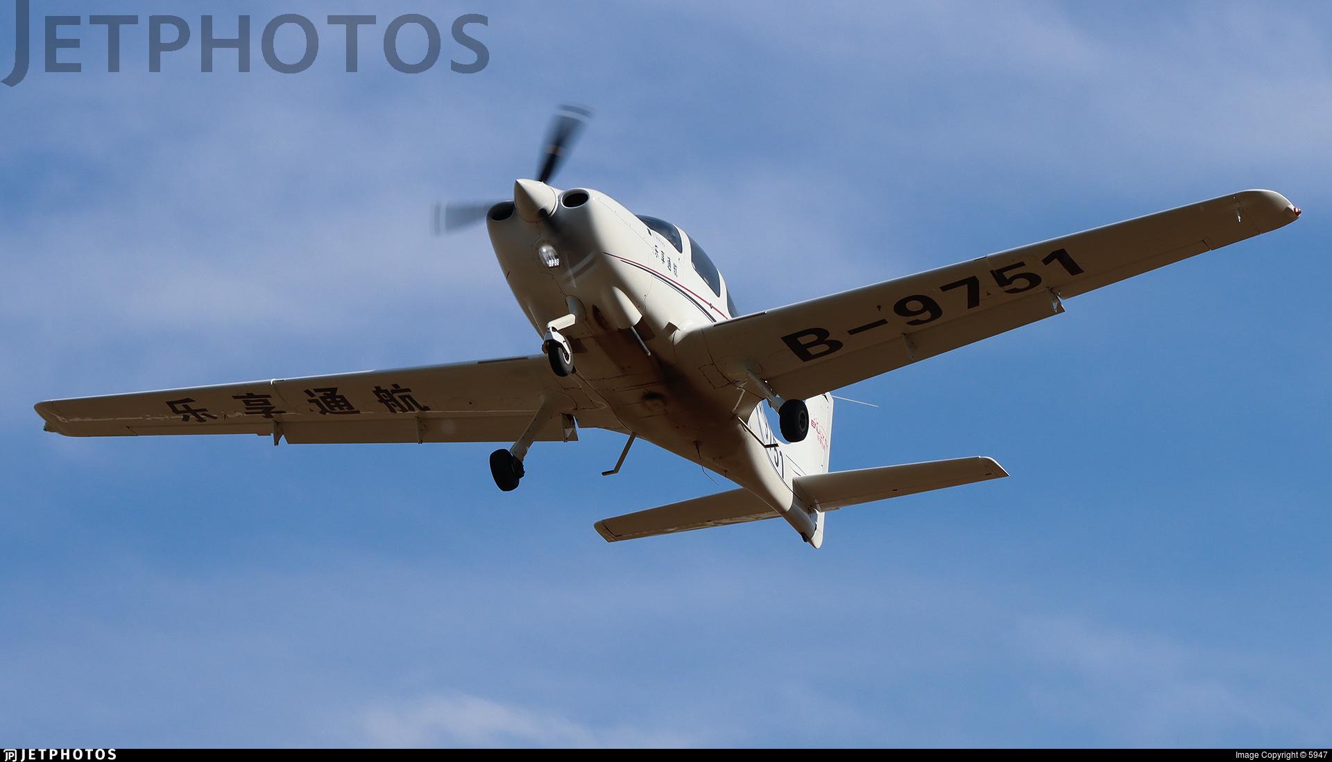 B-9751 - Cirrus SR20 - Enjoy Fly