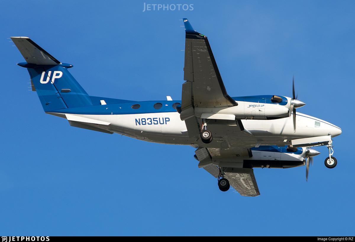 N835UP - Beechcraft 300 Super King Air - Wheels Up