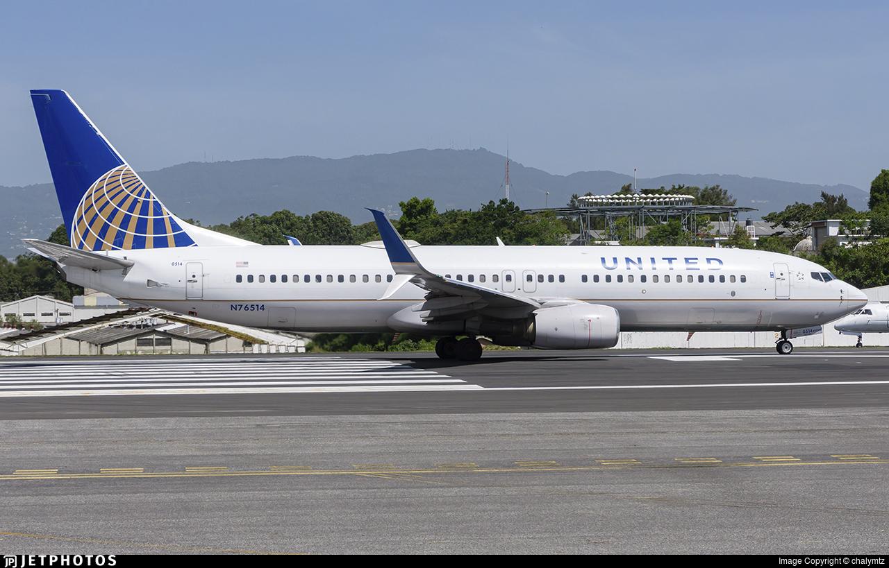 N76514 - Boeing 737-824 - United Airlines