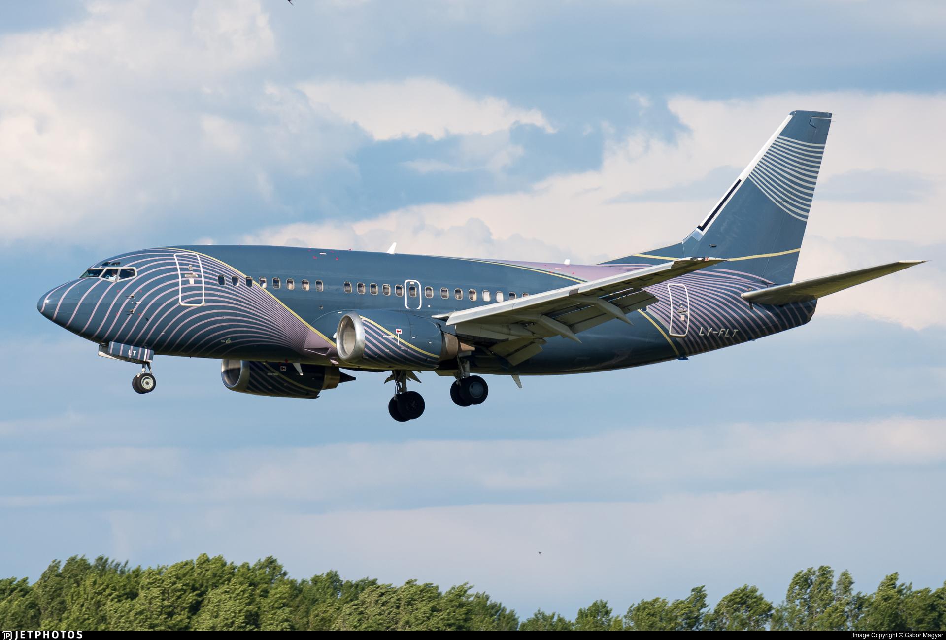 LY-FLT - Boeing 737-522 - KlasJet