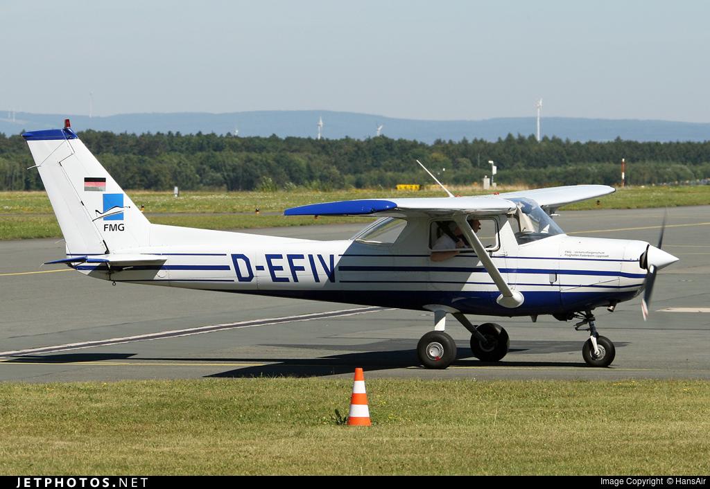 D-EFIV - Cessna 152 - Private