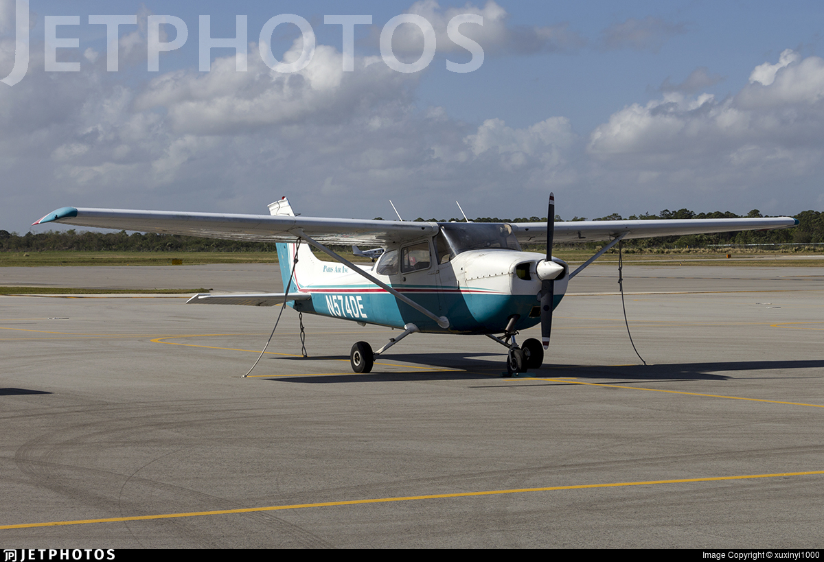N574DE - Cessna 172M Skyhawk - Paris Air