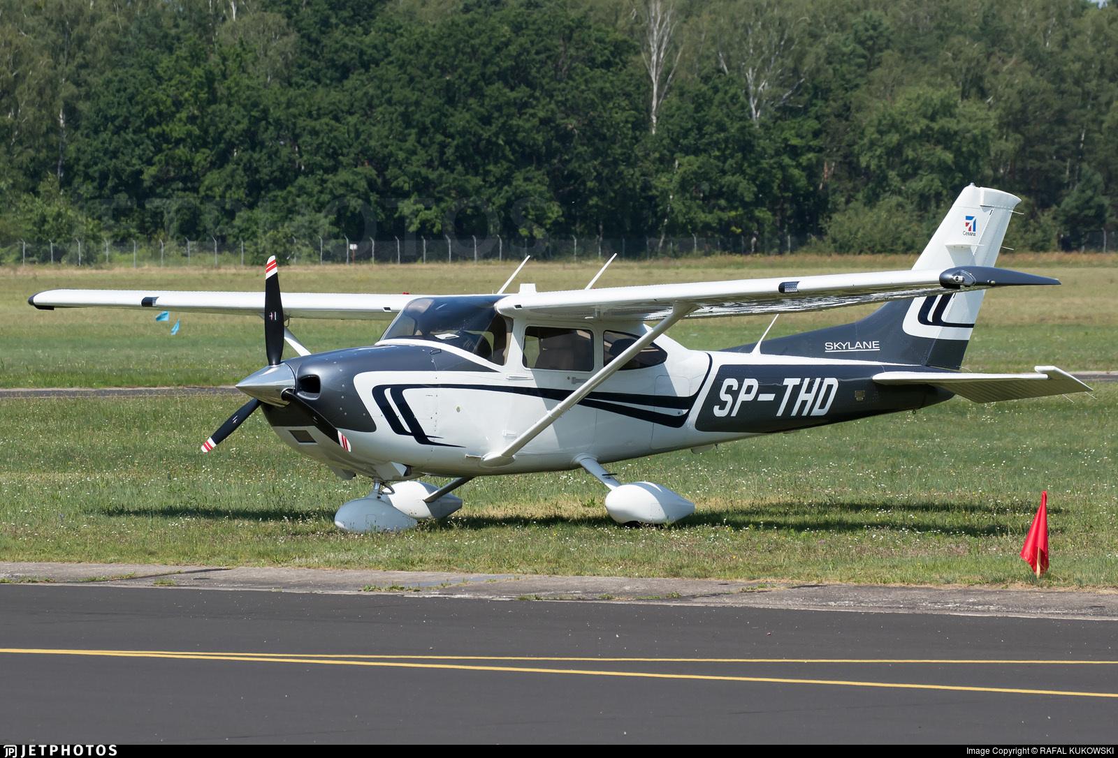 SP-THD - Cessna 182T Skylane - Private