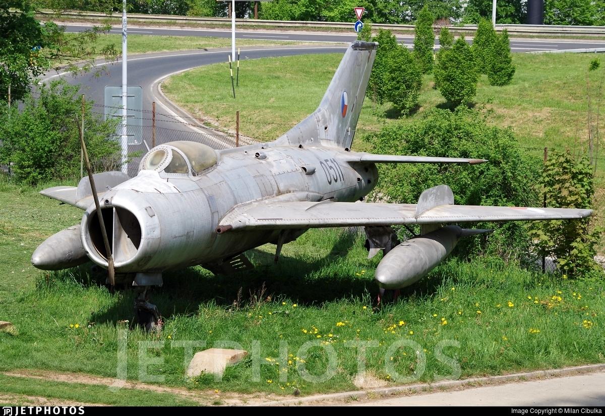 0511 - Mikoyan-Gurevich MiG-19S Farmer C - Czechoslovakia - Air Force