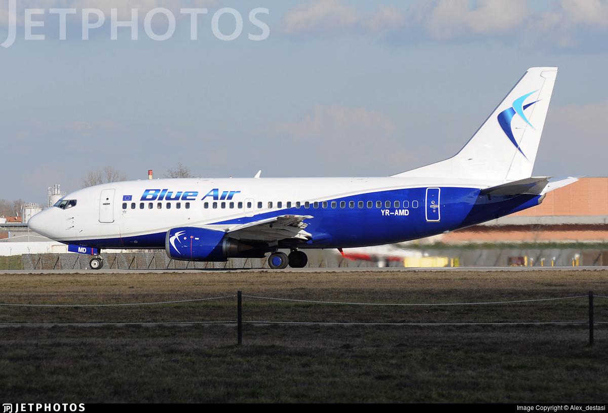 YR-AMD - Boeing 737-530 - Blue Air