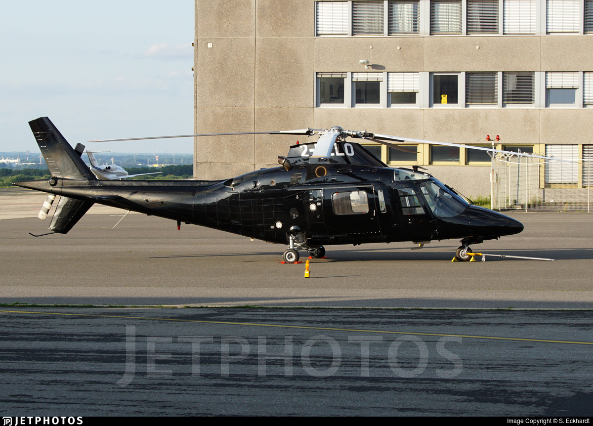 2-HELO - Agusta A109C Hirundo - Private