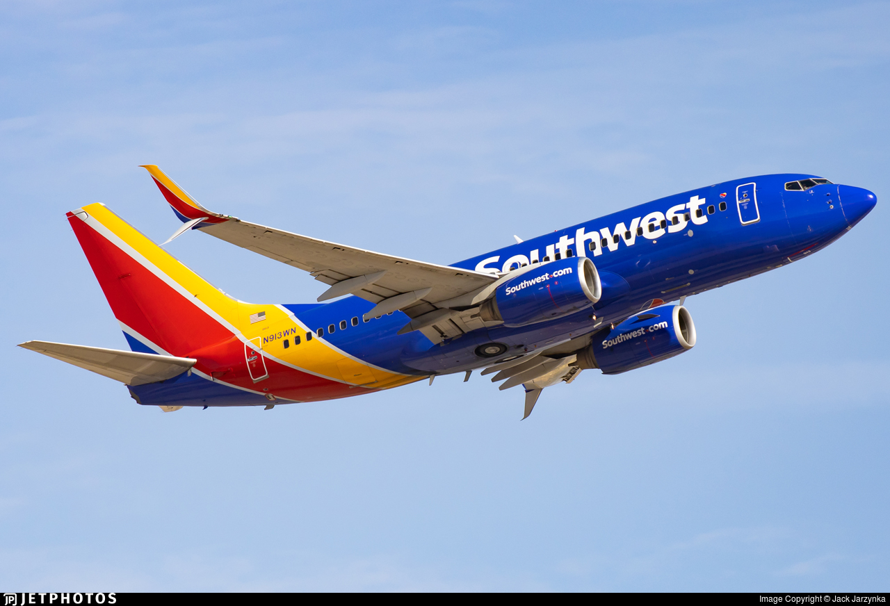N913WN - Boeing 737-7H4 - Southwest Airlines